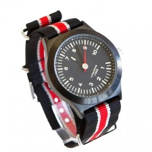800GM watch black