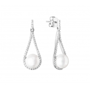 Tear shaped pearl earrings...