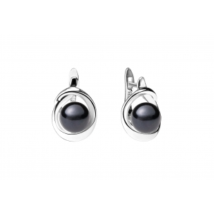 Pearl earrings black