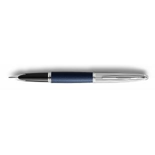 Carène Plniace pero modrá koža